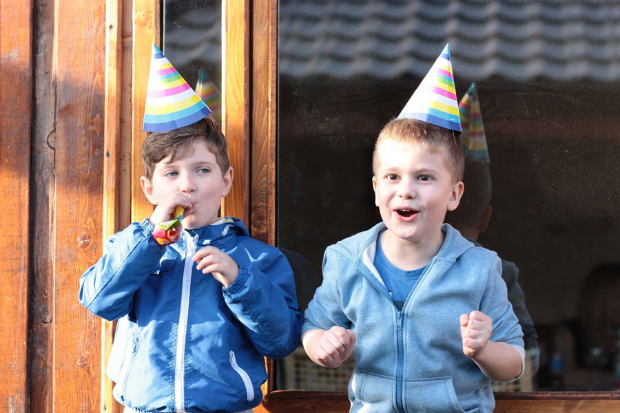 3 TIPS FOR HANDLING FOOD ALLERGIES AT BIRTHDAY PARTIES