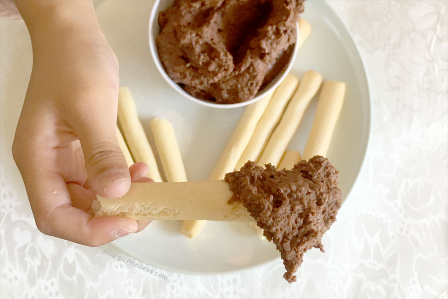 CHOCOLATE HUMMUS WITHOUT TAHINI (DAIRY-FREE, NUT-FREE)